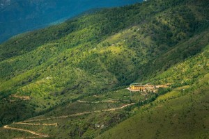 4Bhutan-valley-Thimpu-shutterstock_285854750